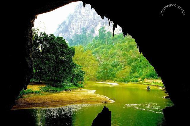 Điểm du lịch động Puông – Hồ Ba Bể – Bắc Kạn