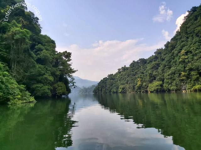Du lịch khám phá Hồ Ba Bể tỉnh Bắc Kạn