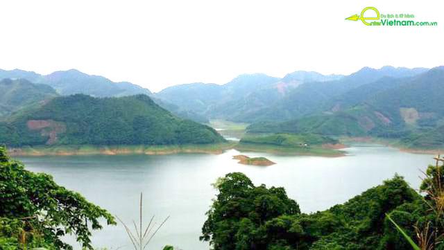 Du lịch ngắm cảnh đẹp tại Đà Bắc - Hòa Bình