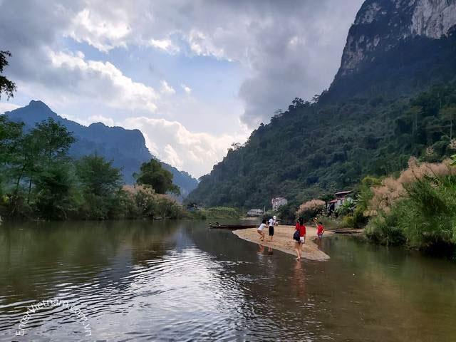 Cảnh đẹp bên dòng sông Năng – Hồ Ba Bể – Bắc Kạn