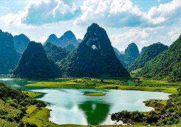 Du lịch khám phá Mắt Thần Núi Cao Bằng